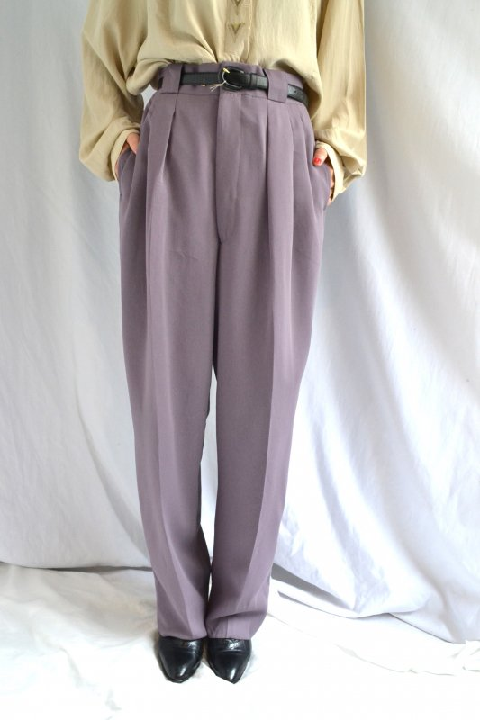 <img class='new_mark_img1' src='https://lara-vintage.shop-pro.jp/img/new/icons8.gif' style='border:none;display:inline;margin:0px;padding:0px;width:auto;' />Vintage light purple tuck pants