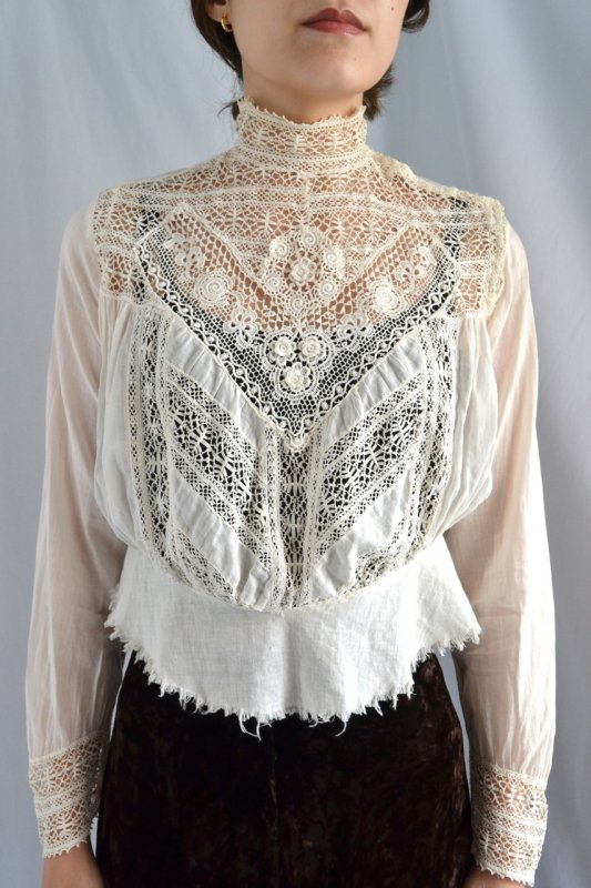 <img class='new_mark_img1' src='https://lara-vintage.shop-pro.jp/img/new/icons50.gif' style='border:none;display:inline;margin:0px;padding:0px;width:auto;' />1910's France antique lace blouse