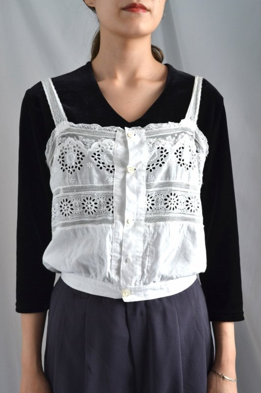<img class='new_mark_img1' src='https://img.shop-pro.jp/img/new/icons50.gif' style='border:none;display:inline;margin:0px;padding:0px;width:auto;' />1900's France antique cotton lace camisole