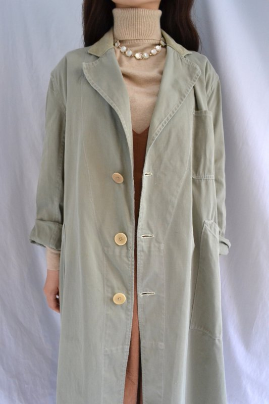 <img class='new_mark_img1' src='https://img.shop-pro.jp/img/new/icons8.gif' style='border:none;display:inline;margin:0px;padding:0px;width:auto;' />1950's Belgium sage green vintage work coat