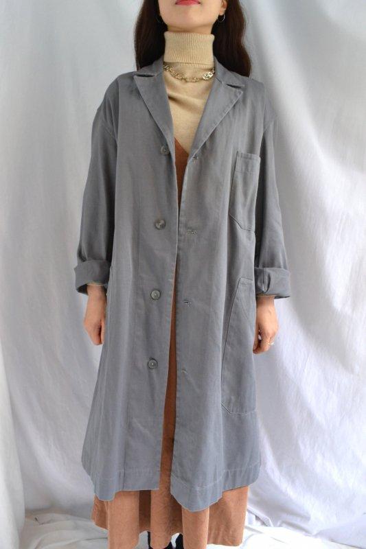 <img class='new_mark_img1' src='https://img.shop-pro.jp/img/new/icons8.gif' style='border:none;display:inline;margin:0px;padding:0px;width:auto;' />1950's Belgium light grey vintage work coat