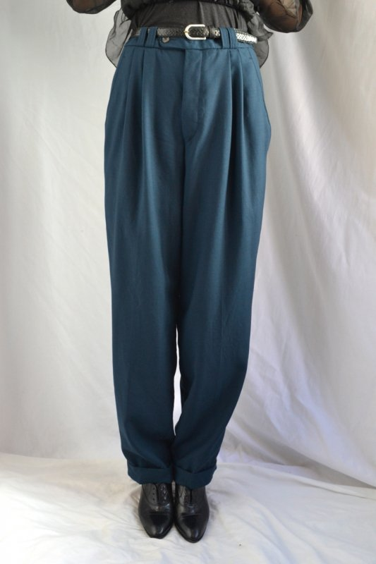 <img class='new_mark_img1' src='https://img.shop-pro.jp/img/new/icons8.gif' style='border:none;display:inline;margin:0px;padding:0px;width:auto;' />Vintage deep navy green tuck pants