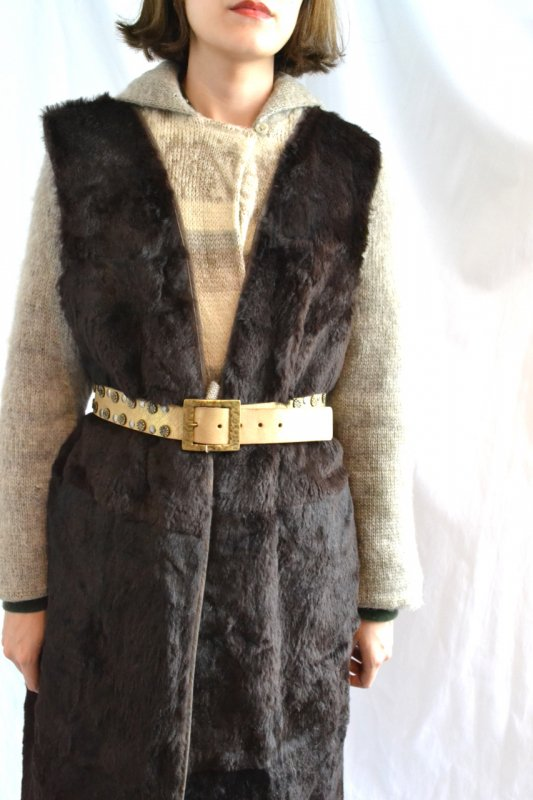 <img class='new_mark_img1' src='https://img.shop-pro.jp/img/new/icons8.gif' style='border:none;display:inline;margin:0px;padding:0px;width:auto;' />Vintage brown fur lliner gillet
