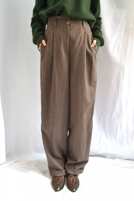 <img class='new_mark_img1' src='https://img.shop-pro.jp/img/new/icons50.gif' style='border:none;display:inline;margin:0px;padding:0px;width:auto;' />Vintage brown high waist design pants
