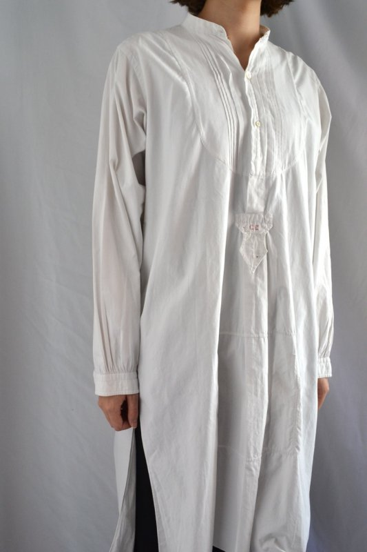 <img class='new_mark_img1' src='https://img.shop-pro.jp/img/new/icons8.gif' style='border:none;display:inline;margin:0px;padding:0px;width:auto;' />1910-30's vintage white dress shirt