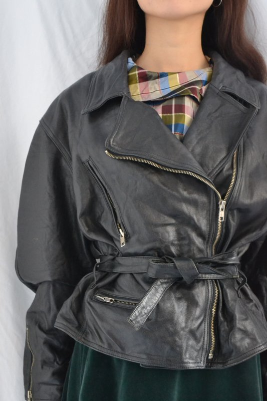 <img class='new_mark_img1' src='https://img.shop-pro.jp/img/new/icons50.gif' style='border:none;display:inline;margin:0px;padding:0px;width:auto;' />80's vintage leather jacket