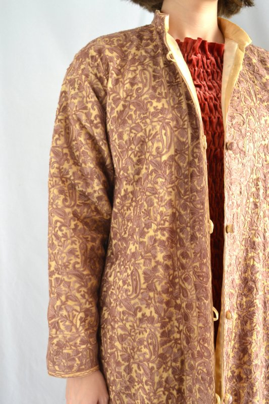 <img class='new_mark_img1' src='https://img.shop-pro.jp/img/new/icons50.gif' style='border:none;display:inline;margin:0px;padding:0px;width:auto;' />1930's vintage embroidery light coat