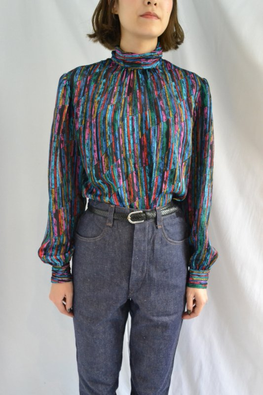<img class='new_mark_img1' src='https://img.shop-pro.jp/img/new/icons50.gif' style='border:none;display:inline;margin:0px;padding:0px;width:auto;' />Transparent vintage design tunic blouse