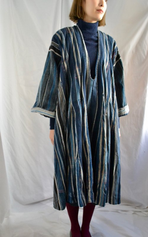 <img class='new_mark_img1' src='https://img.shop-pro.jp/img/new/icons50.gif' style='border:none;display:inline;margin:0px;padding:0px;width:auto;' />1900's antique indigo patchwork african smock dress