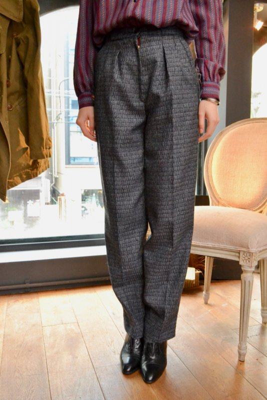 <img class='new_mark_img1' src='https://img.shop-pro.jp/img/new/icons8.gif' style='border:none;display:inline;margin:0px;padding:0px;width:auto;' />Black white wool tweed vintage pants
