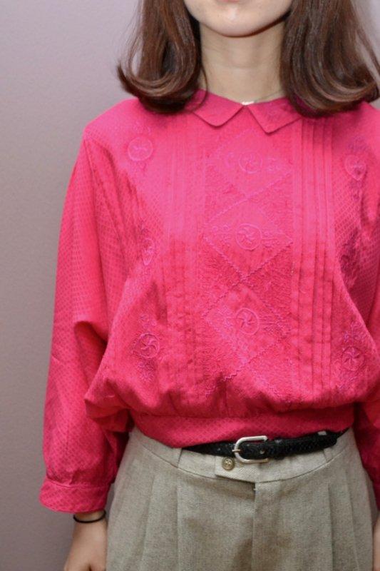 Embroidery design rose pink vintage blouse
