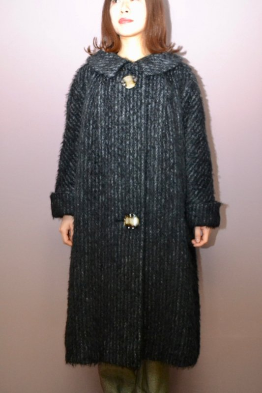 <img class='new_mark_img1' src='https://img.shop-pro.jp/img/new/icons8.gif' style='border:none;display:inline;margin:0px;padding:0px;width:auto;' />1950's Vintage big button coat
