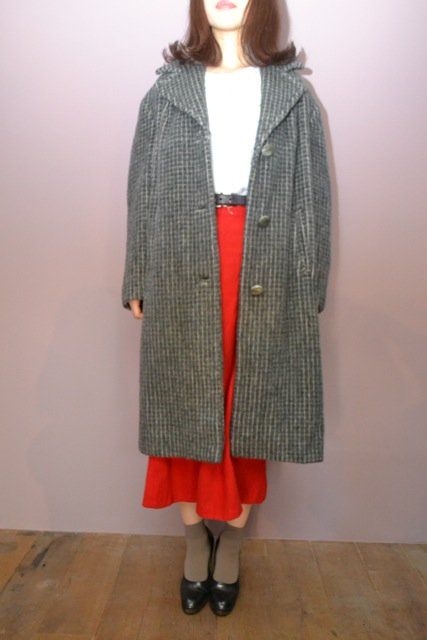 <img class='new_mark_img1' src='https://img.shop-pro.jp/img/new/icons8.gif' style='border:none;display:inline;margin:0px;padding:0px;width:auto;' />Vintage stripe pattern tailored collar coat