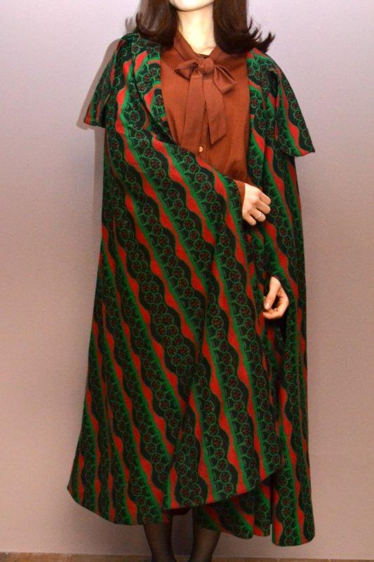 1960's Vintage peacock pattern wool cape coat
