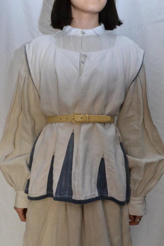 <img class='new_mark_img1' src='https://img.shop-pro.jp/img/new/icons50.gif' style='border:none;display:inline;margin:0px;padding:0px;width:auto;' />1930's France vintage linen indigo tunic