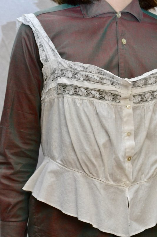 <img class='new_mark_img1' src='https://img.shop-pro.jp/img/new/icons50.gif' style='border:none;display:inline;margin:0px;padding:0px;width:auto;' />1900's Antique cotton lace camisole