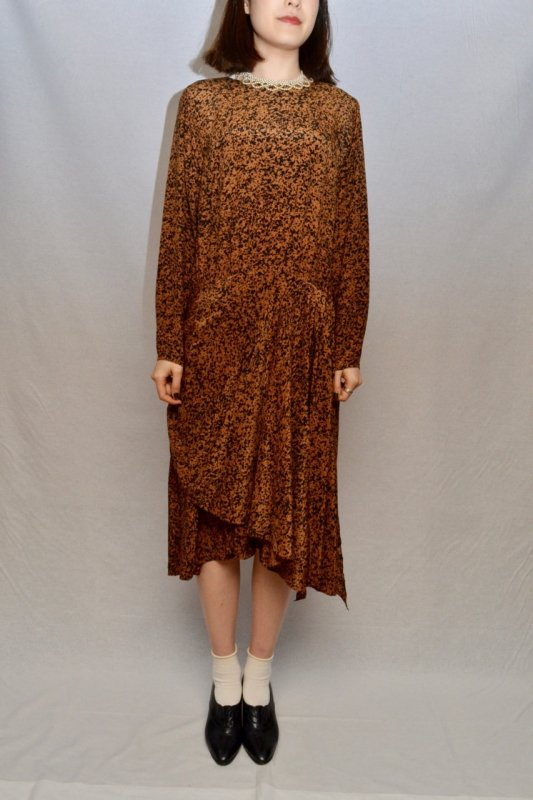 Vintage camel color layered design dress