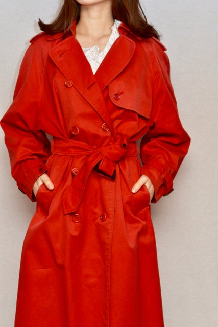 <img class='new_mark_img1' src='https://img.shop-pro.jp/img/new/icons8.gif' style='border:none;display:inline;margin:0px;padding:0px;width:auto;' />1980's Burberrys vintage trench coat