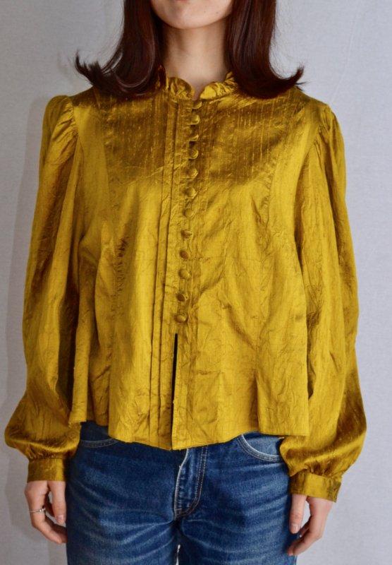 <img class='new_mark_img1' src='https://img.shop-pro.jp/img/new/icons50.gif' style='border:none;display:inline;margin:0px;padding:0px;width:auto;' />Frill design silk taffeta vintage blouse