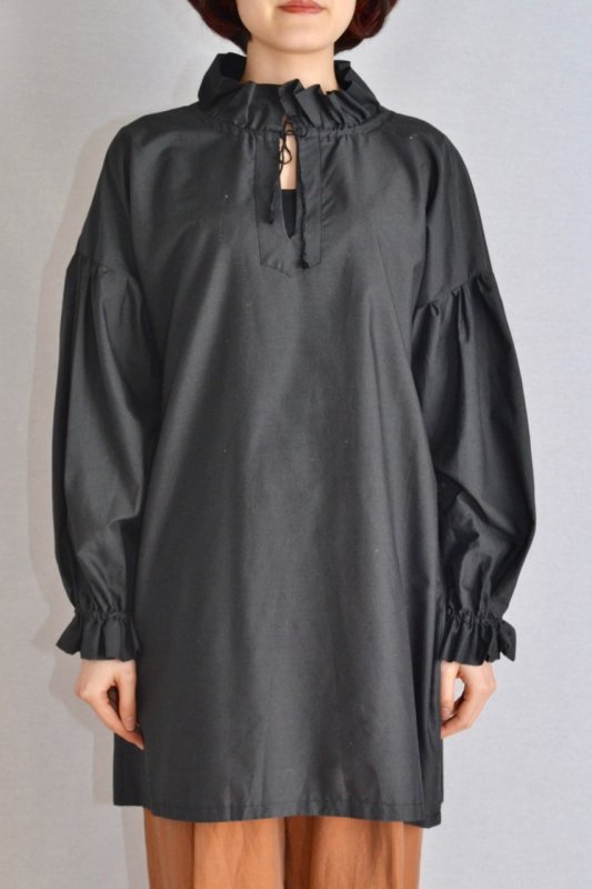 <img class='new_mark_img1' src='https://img.shop-pro.jp/img/new/icons50.gif' style='border:none;display:inline;margin:0px;padding:0px;width:auto;' />Vintage long puff sleeve tunic blouse
