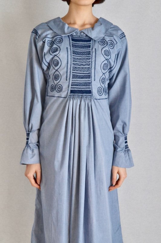 <img class='new_mark_img1' src='https://img.shop-pro.jp/img/new/icons50.gif' style='border:none;display:inline;margin:0px;padding:0px;width:auto;' />1930's British vintage gathering smock dress