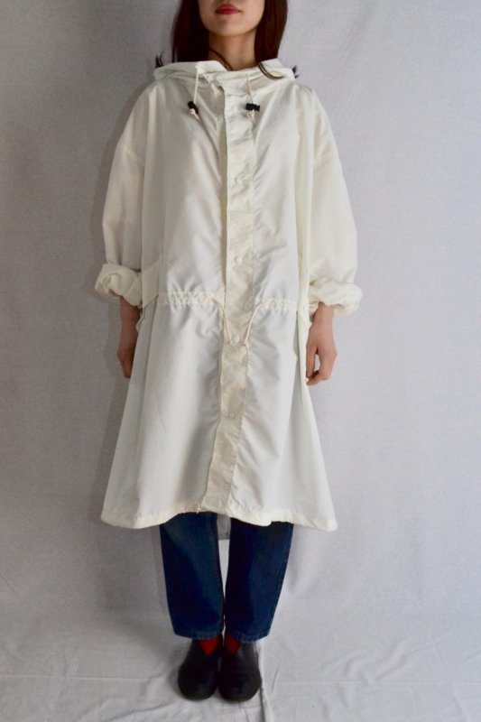 <img class='new_mark_img1' src='https://img.shop-pro.jp/img/new/icons50.gif' style='border:none;display:inline;margin:0px;padding:0px;width:auto;' />US military vintage snow parka coat