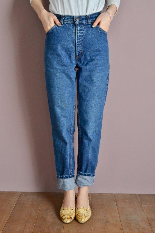 <img class='new_mark_img1' src='https://img.shop-pro.jp/img/new/icons50.gif' style='border:none;display:inline;margin:0px;padding:0px;width:auto;' />Levi's high waist denim pants