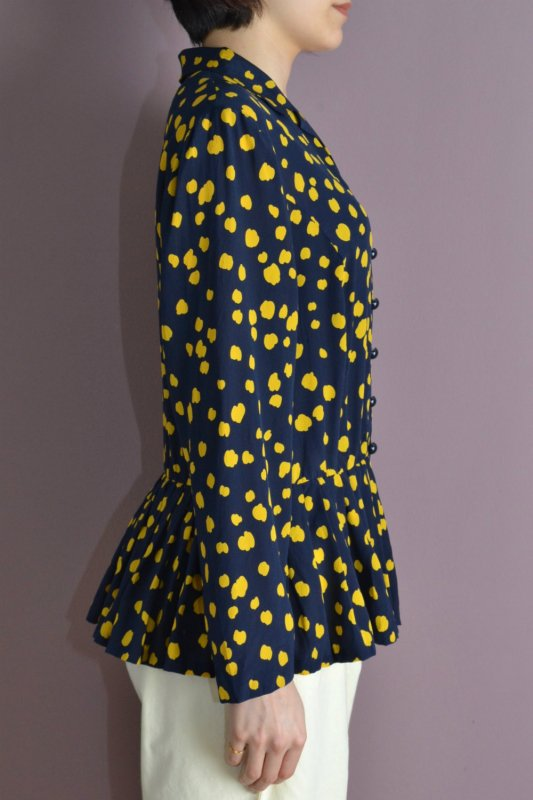 <img class='new_mark_img1' src='https://img.shop-pro.jp/img/new/icons8.gif' style='border:none;display:inline;margin:0px;padding:0px;width:auto;' />Vintage deep navy & yellow peplum blouse