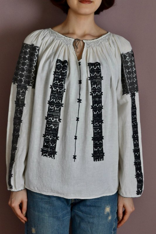 <img class='new_mark_img1' src='https://img.shop-pro.jp/img/new/icons50.gif' style='border:none;display:inline;margin:0px;padding:0px;width:auto;' />Ukraine embroidery vintage tunic blouse