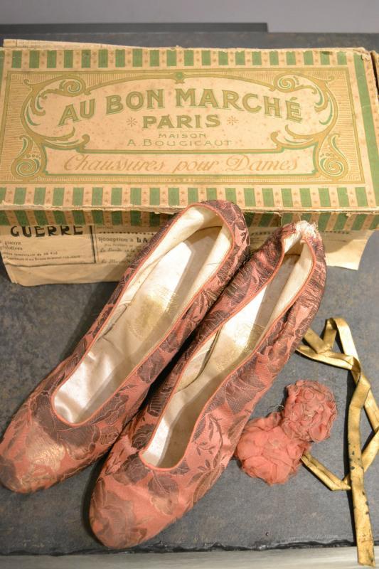 1910'sフランス アンティークシルクパンプス