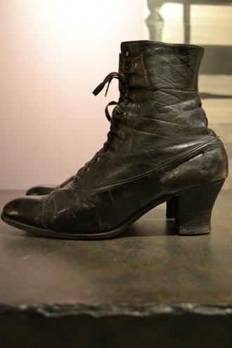 1880's British antique black boots