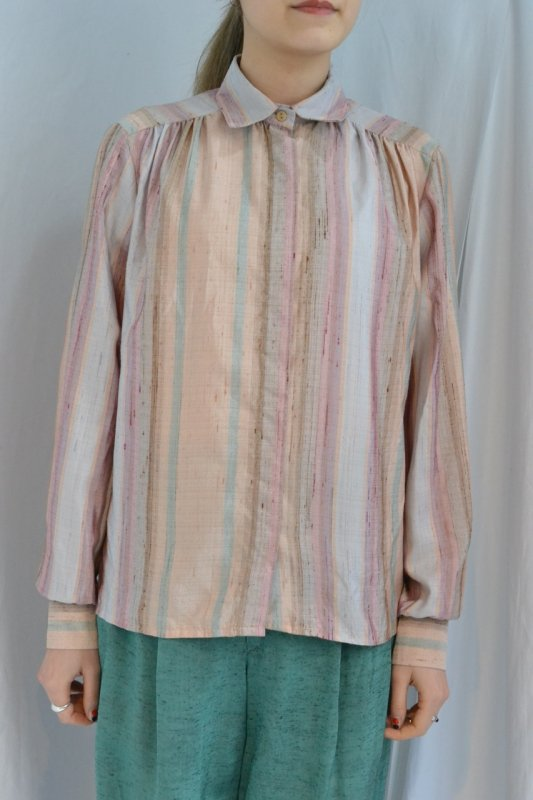 <img class='new_mark_img1' src='http://lara-vintage.shop-pro.jp/img/new/icons8.gif' style='border:none;display:inline;margin:0px;padding:0px;width:auto;' />Vintage pastel color stripe blouse