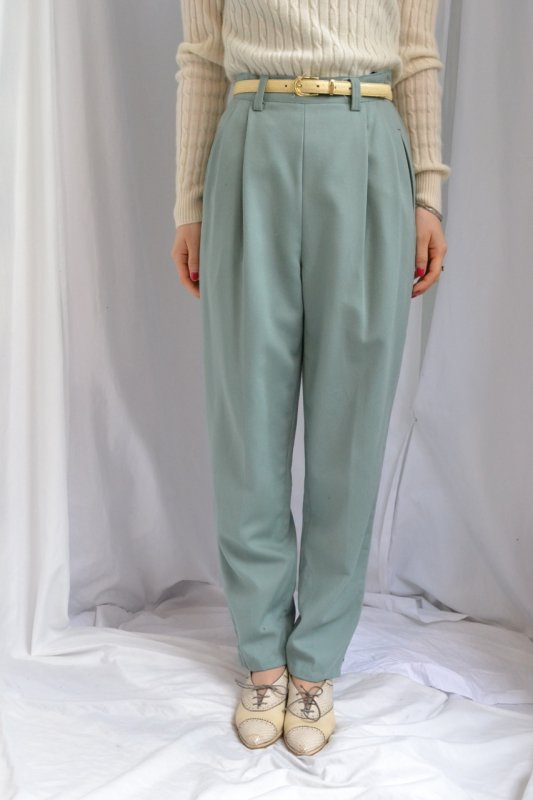 <img class='new_mark_img1' src='http://lara-vintage.shop-pro.jp/img/new/icons8.gif' style='border:none;display:inline;margin:0px;padding:0px;width:auto;' />vintage ice green color  tuck pants