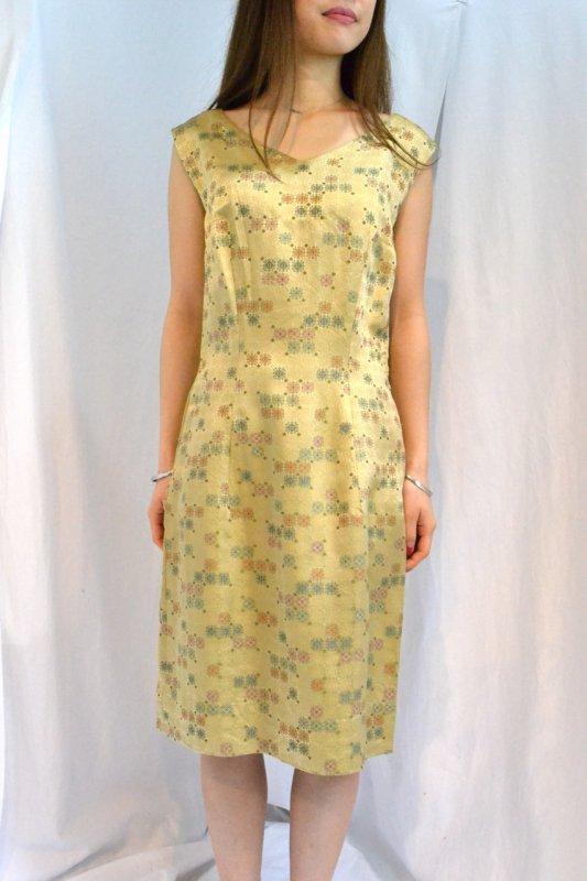 <img class='new_mark_img1' src='http://lara-vintage.shop-pro.jp/img/new/icons8.gif' style='border:none;display:inline;margin:0px;padding:0px;width:auto;' />1950's  vintage Jacquard fabric dress