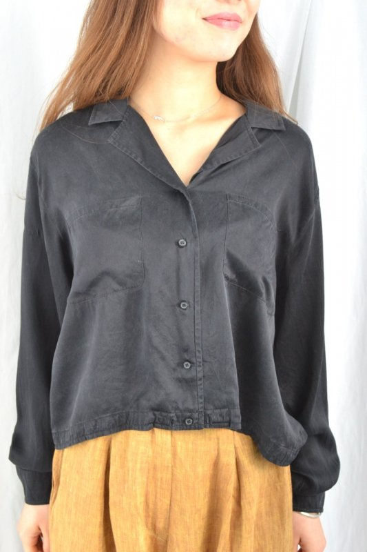 <img class='new_mark_img1' src='http://lara-vintage.shop-pro.jp/img/new/icons8.gif' style='border:none;display:inline;margin:0px;padding:0px;width:auto;' />Vintage Short length black blouse