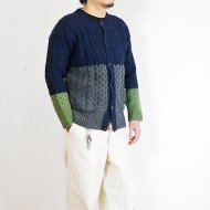 <img class='new_mark_img1' src='https://img.shop-pro.jp/img/new/icons16.gif' style='border:none;display:inline;margin:0px;padding:0px;width:auto;' />Phatee<br/>BICOLOR ARAN CARDIGAN (NAVY)