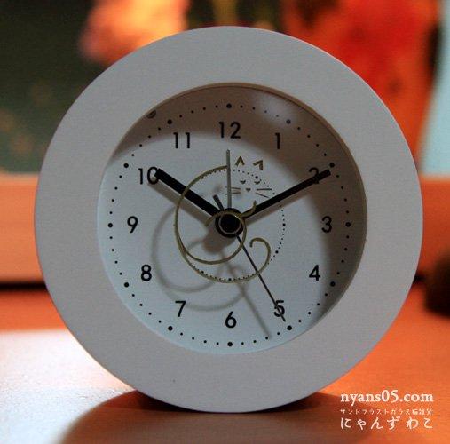 猫柄目覚まし時計(ホワイト・サークル)CL-23