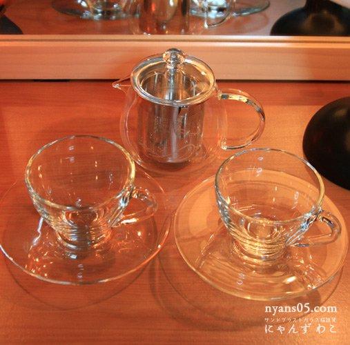 猫柄耐熱ガラス・ティーセット(ティーポット+カップ&ソーサ・ペア)T-SET-8