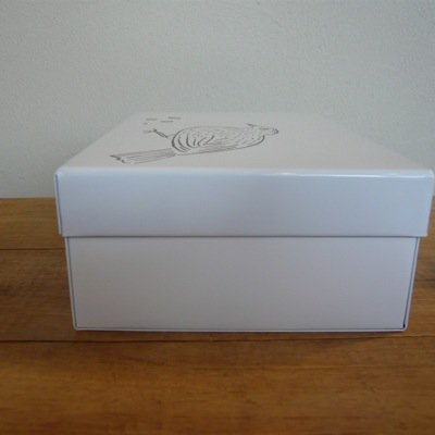 松尾ミユキ 四角の缶 4