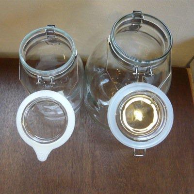取手付き密封ガラス瓶 3