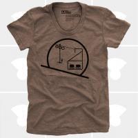 MEDIUM CONTROL | SKIING SNOWBOARDING CHAIRLIFT | Tシャツ (brown) | レディースMサイズの商品画像