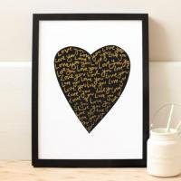 OLD ENGLISH CO. | LOVE HEART PRINT (BLACK AND GOLD/WHITE BACKGROUND) | A4 ポスター【アウトレット】