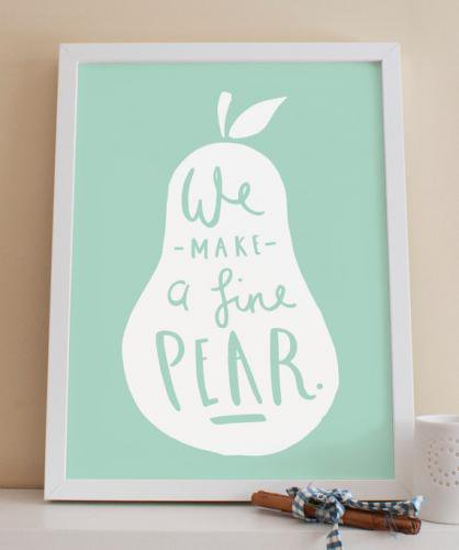 OLD ENGLISH CO. | PEAR PRINT (WHITE/DUCK EGG BACKGROUND) | A4 アートプリント/ポスター【アウトレット】
