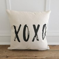 LINEN AND IVORY | XOXO PILLOW COVER | クッションカバー