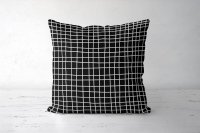 【ネコポス送料無料】LATTE HOME | GRID CUSHION COVER (hand drawn/black) | クッションカバー