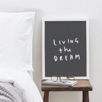 OLD ENGLISH CO. | LIVING THE DREAM (white/charcoal background) | A3 アートプリント/ポスター【アウトレット】の商品画像