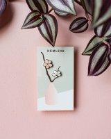 【ネコポス送料無料】HEMLEVA | CHERRY BLOSSOMS PIN | ピンバッジの商品画像