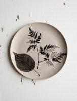 FINE LITTLE DAY   SALTHOLMEN PLATE 22 CM, BEIGE   プレート 皿 【北欧 陶器 テーブル】の商品画像