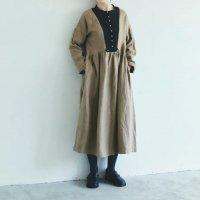 MAGALI | ブラッシュド・ベルギーリネン・ギャザーワンピース (beige) | ワンピース 送料無料 マガリ シンプル 長袖の商品画像