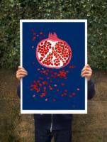 ANEK | INDIGO POMEGRANATE - FRUIT ART | アートプリント/ポスター (50x70cm)
